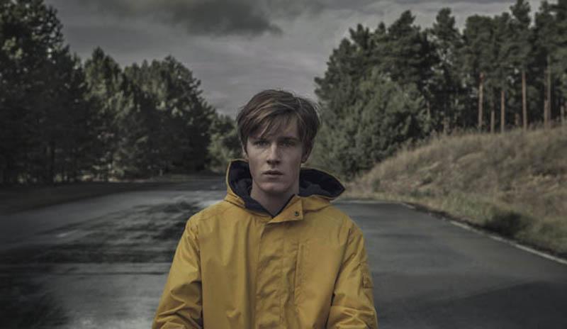 Тьма 3 сезон кадр из сериала