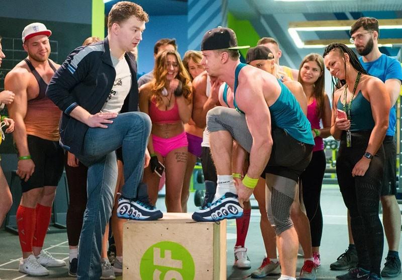 Фитнес 3 сезон кадр из серии