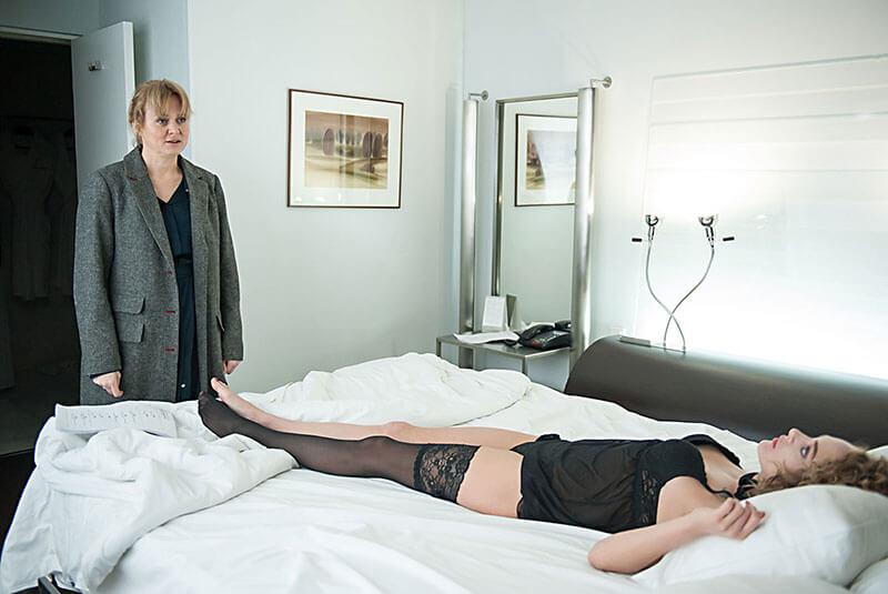 Обычная женщина 2 сезон кадр из 1 серии