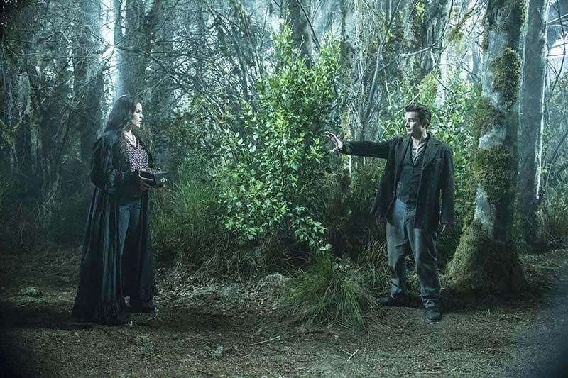 Открытие ведьм 2 сезон кадр из 1 серии