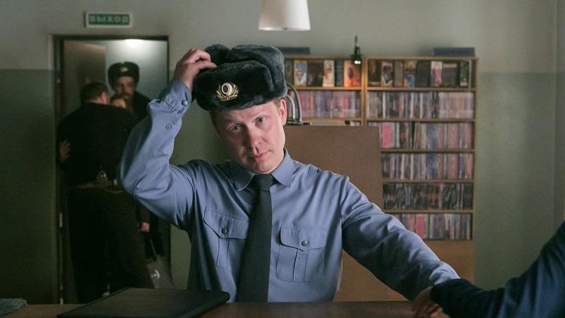 Полярный 2 сезон кадр из 1 серии