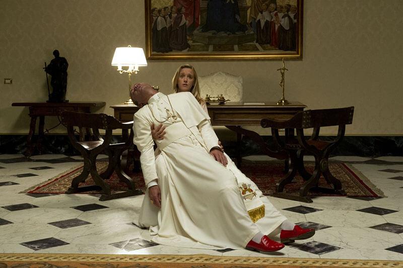 Молодой Папа 2 сезон кадр из 1 серии