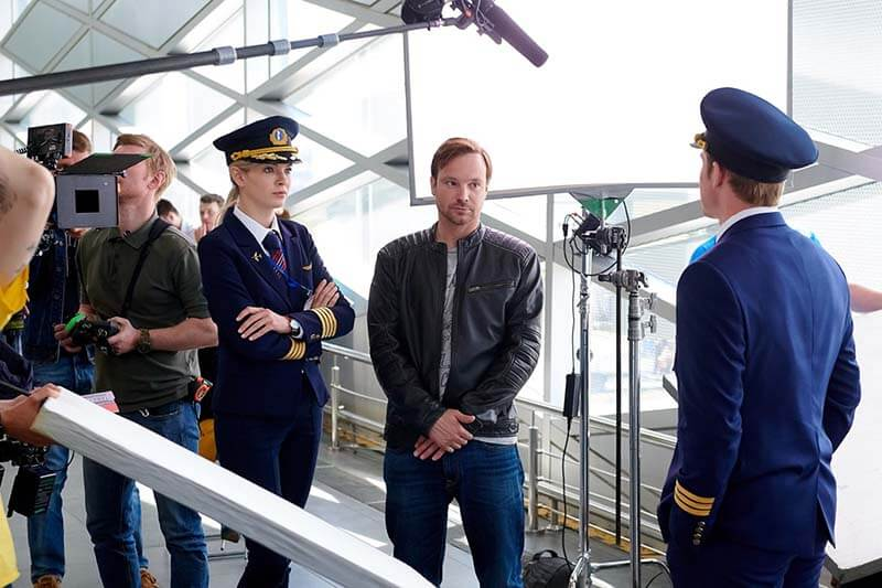 Улётный экипаж 3 сезон кадр из 1 серии