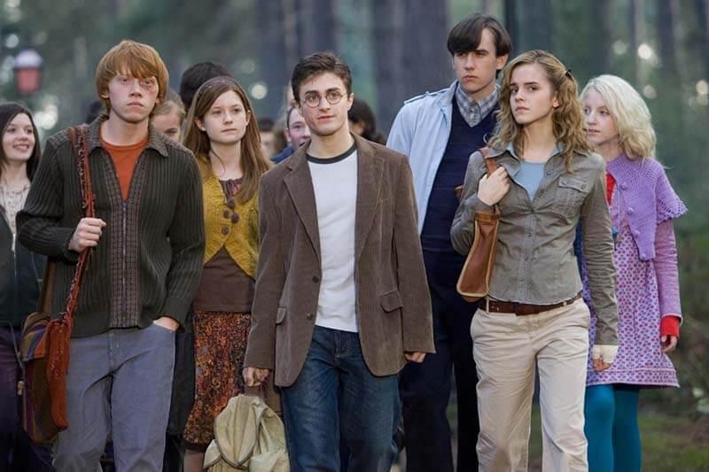 Будет ли выход фильм Гарри Поттер и проклятое дитя