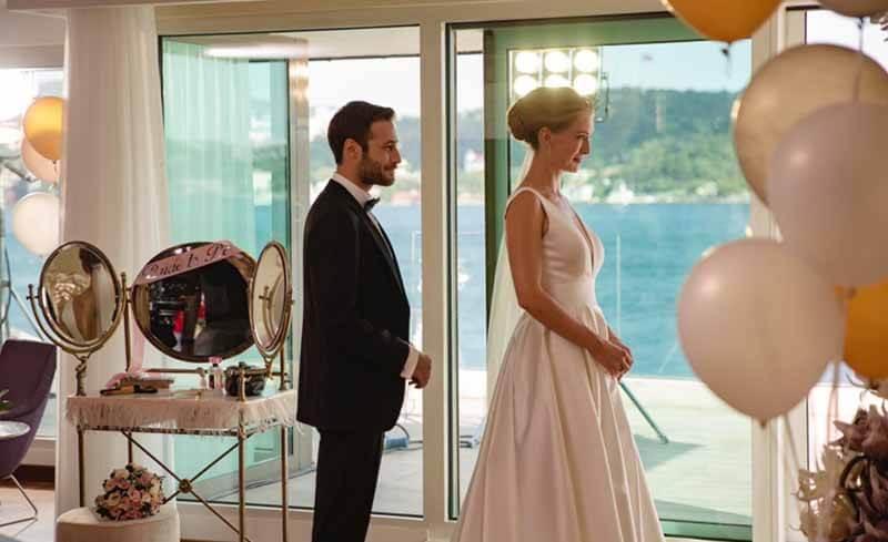 Дата выхода серий турецкого сериала И в печали, и в радости 1 сезон