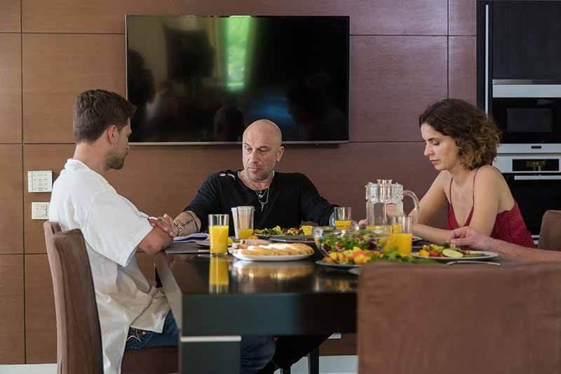 Дата выхода серий на СТС Нагиев на карантине 3 сезон