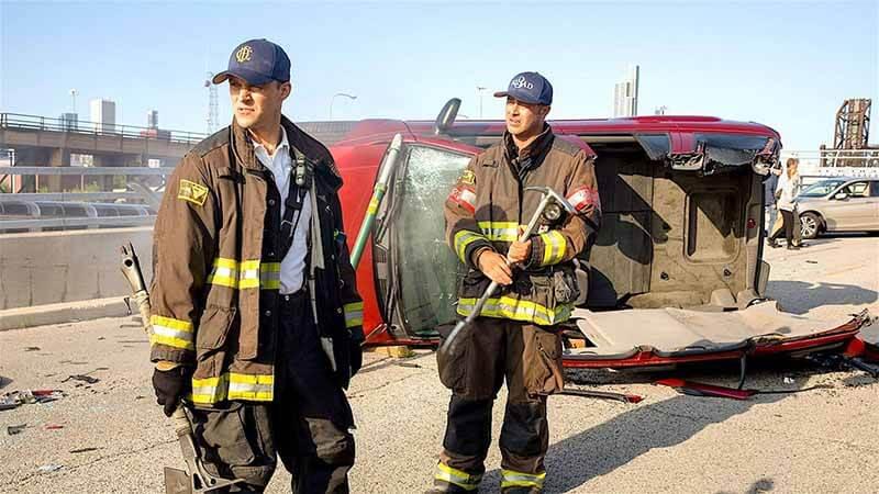 Дата выхода серий в России Пожарные Чикаго 10 сезон 2021